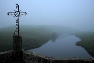 Paysage de l'Aubrac à l'aube; Rivière le Bès