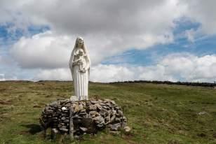 Vierge sur le chemin de Compostelle, vers le village d'Aubrac