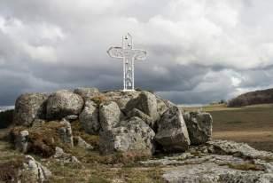 Croix plantée par un particulier sur le plateau d'Aubrac