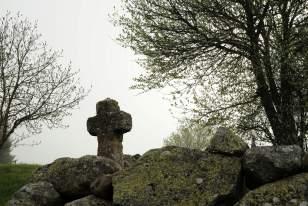 Ancienne croix de pierre sur le chemin de Compostelle, Aubrac
