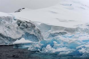 Antarctique-Peninsule-Antarctica-glacier