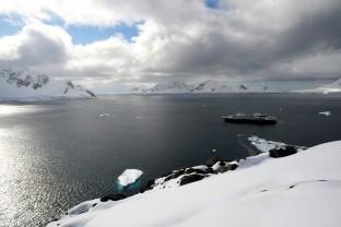 Antarctique-Peninsule-Antarctica-paysages-et-navire