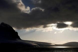 Crepuscule-Midnight-Sunset-Antarctique-Antarctica-Peninsula