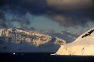Crepuscule-Sunset-Antarctique-Antarctica-Peninsula