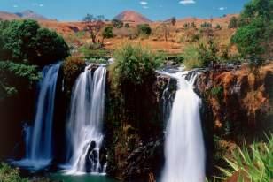 Madagascar-Ouest-Chute-de-la-Lily-cascade