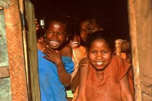 Madagascar-hauts-plateaux-Sourire-enfants